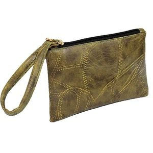 🎃4/$25 Green patched leather wristlet